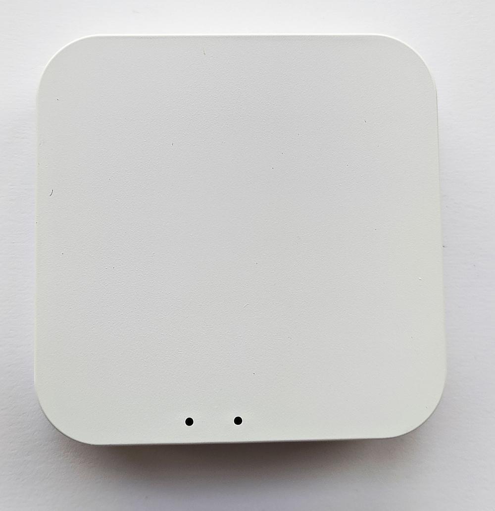 Умный дом: Комплект термоконтроль - контроллер (шлюз) Tervix Zigbee Gateway и 2 беспроводные радиаторные термоголовки Tervix EVA - 7